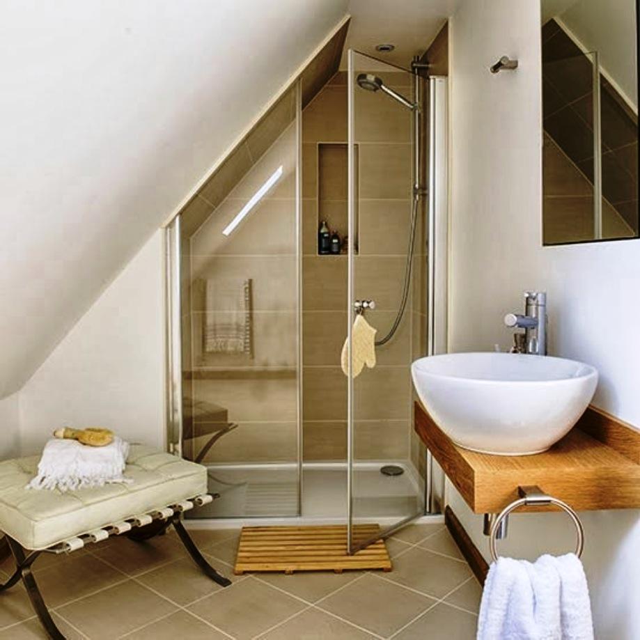 petite salle de bain sous pente de toit fashion designs. Black Bedroom Furniture Sets. Home Design Ideas